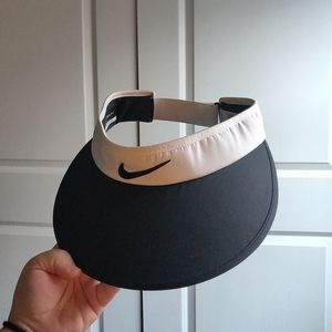 Nike Wide Brim Golf Visor